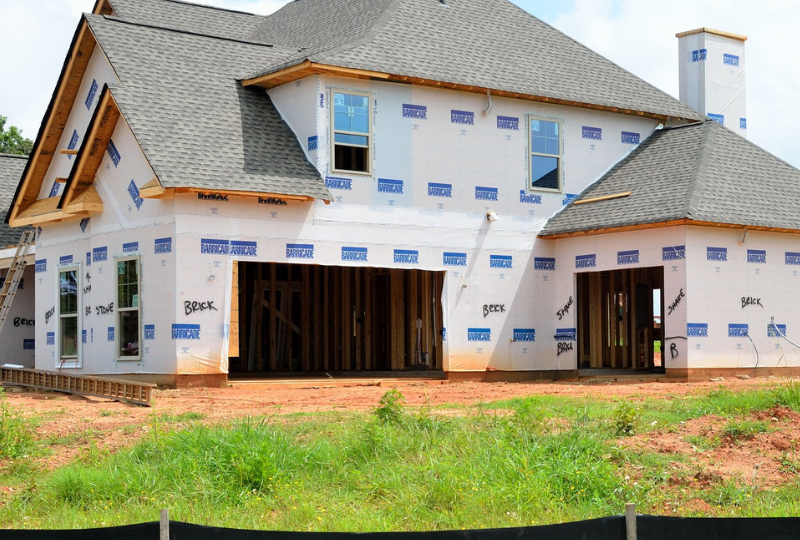 Before Hiring a Custom Home Builder, Consider These Things First.