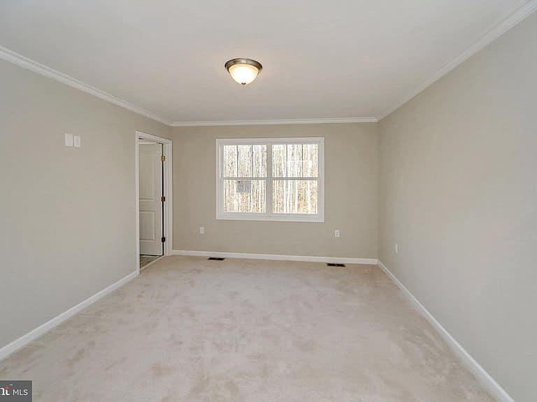 https://www.perryscustomhomes.com/wp-content/uploads/2020/02/bedroom.jpg