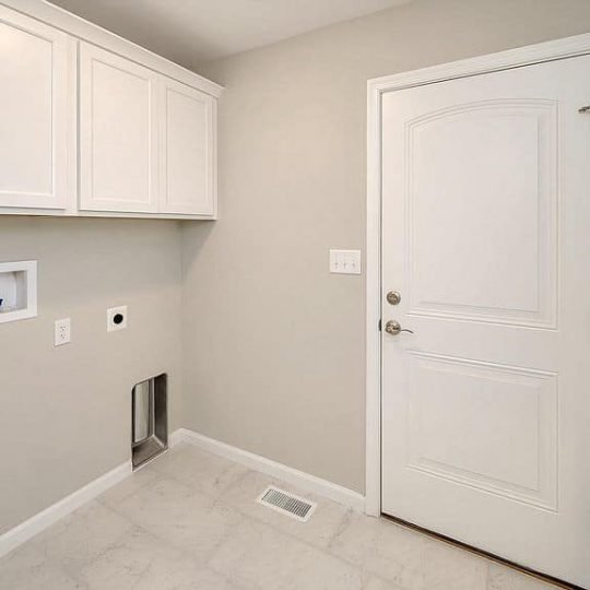 https://www.perryscustomhomes.com/wp-content/uploads/2020/02/laundry-room-540x540.jpg