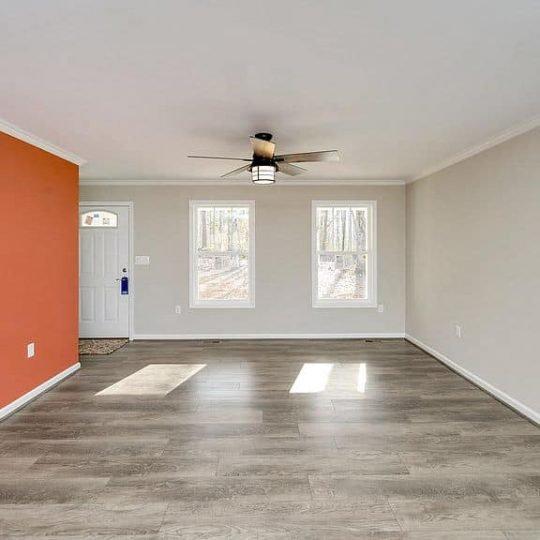 https://www.perryscustomhomes.com/wp-content/uploads/2020/02/living-room-2-540x540.jpg