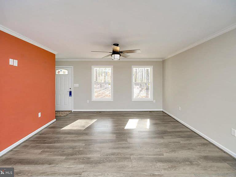 https://www.perryscustomhomes.com/wp-content/uploads/2020/02/living-room-2.jpg