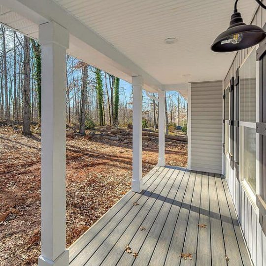 https://www.perryscustomhomes.com/wp-content/uploads/2020/02/porch-540x540.jpg