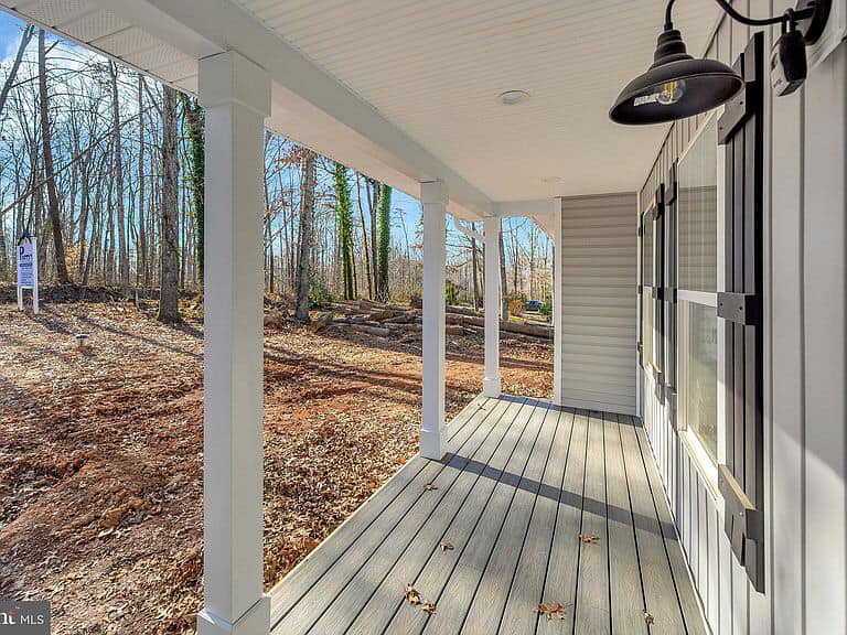 https://www.perryscustomhomes.com/wp-content/uploads/2020/02/porch.jpg